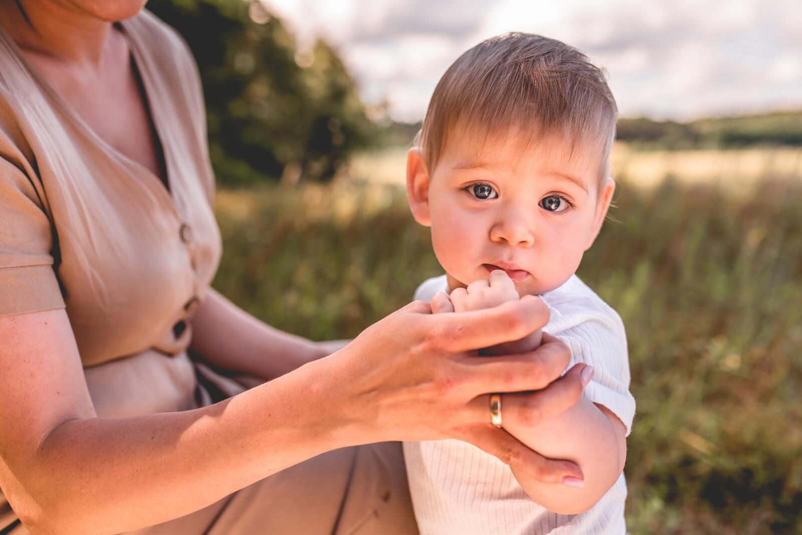 Sesja karmienia piersia 01 08 2020 Marta Trzcinska Fotografia 58 - Sesje rodzinne